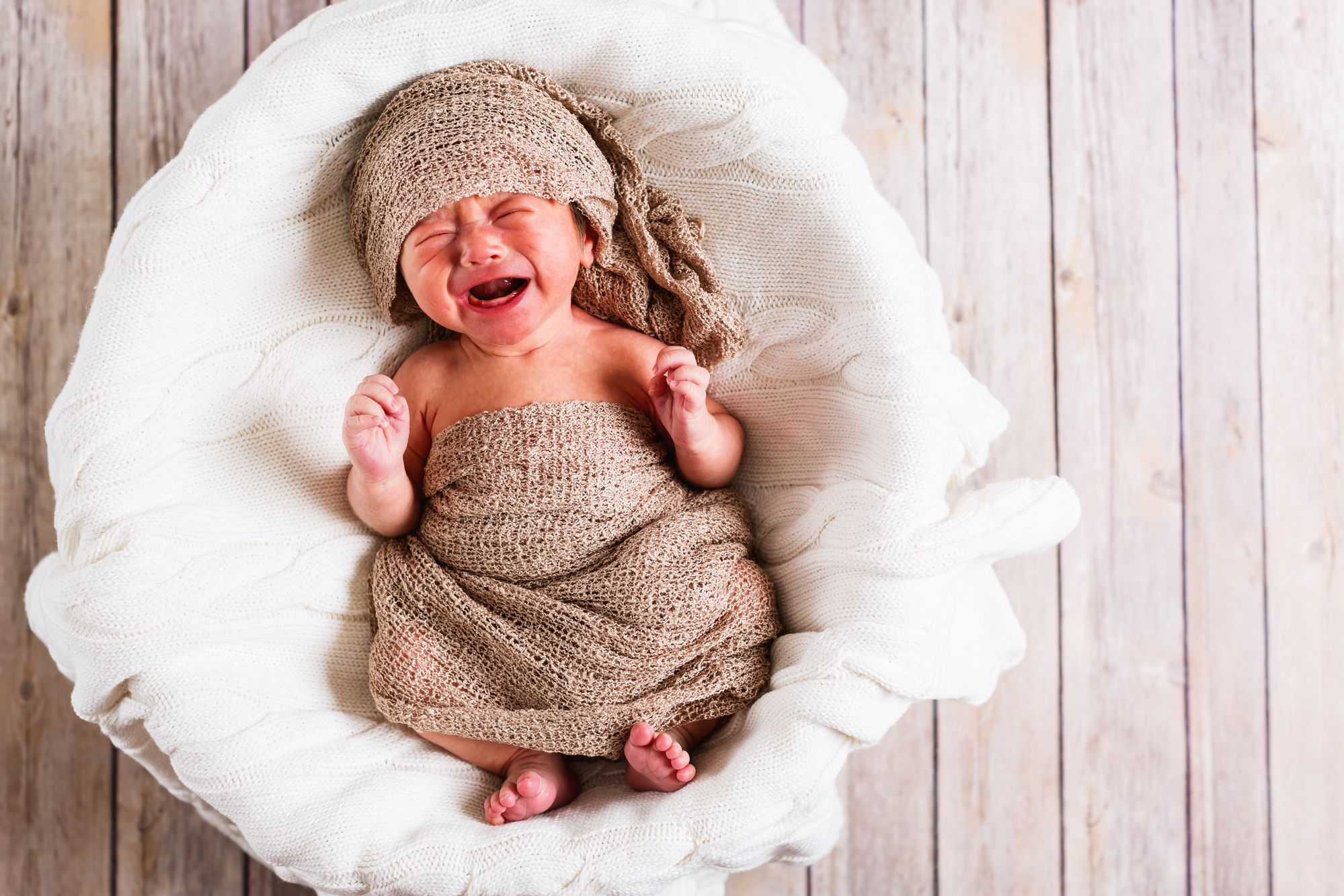 Что подарить на рождение мальчика его счастливым родителям?